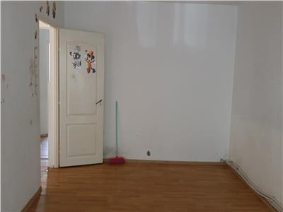 Apartament 3 camere, scoala nr.8!