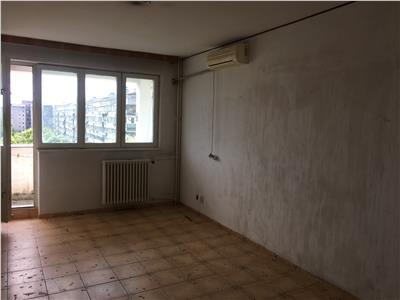 Apartament 3 camere semidecomandat , et 8/10, Drumul Taberei-Favorit