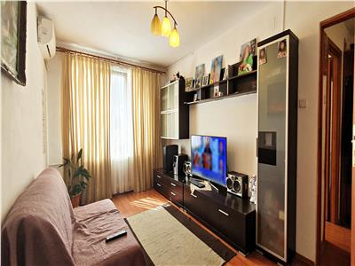 Apartament 3 camere decomandat, Bd. Chisinau, Diham