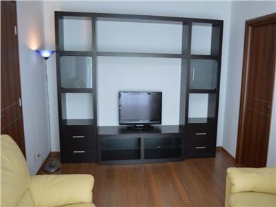 Apartament 3 camere semidecomandat Titan