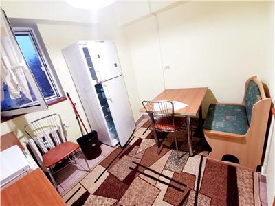 Apartament 3 camere Stefan cel Mare Decomandat