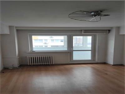 Apartament 3 camere titan la 1 minut de metrou titan