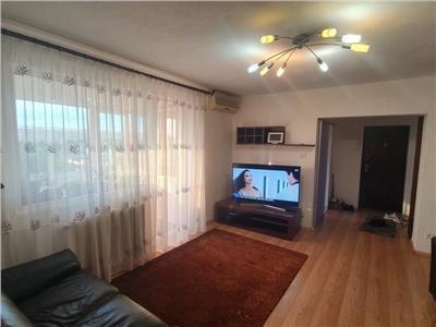 Apartament 3 camere, Titan, semidecomandat, mobilat
