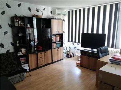 Apartament 3 camere, Titan/Theodor Pallady, semidecomandat