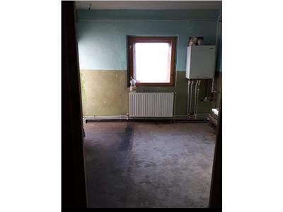 Apartament 3 camere, zona industriala