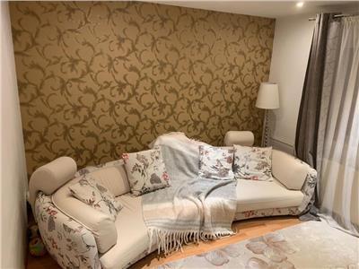 Apartament 3 camere , zona Nerva Traian