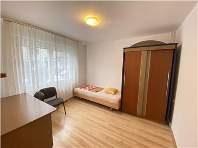 Apartament 3 dormitoare de inchiriat, in 7 Noiembrie