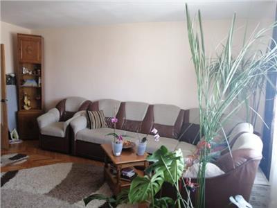 Apartament 3camere decomandat calea bucuresti