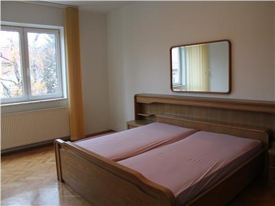 Apartament 4 camere 150 mp langa tribunalul brasov