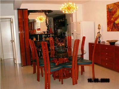 Apartament cu 3 dormitoare, garaj , boxa.3 minute Metrou Cotroceni.