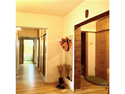 Apartament 4 camere, cf.1a, decomandat, zona centrala, ploiesti