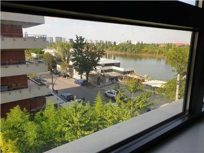 Apartament 4 camere cu vedere la lacul si parcul tei