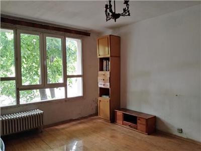 Apartament 4 camere de vanzare Titan Ozana scoala gimnaziala 116