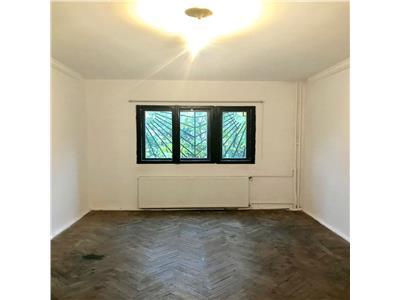 Apartament 4 camere, decomandat, 2 gr. sanitare, cantacuzino, ploiesti