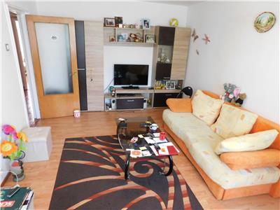 Apartament 4 camere decomandat zona Ozana - Titan