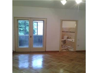 Apartament 4 camere in vila,  Bd Dacia