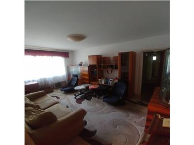 Apartament  4 camere metrou romancierilor  61 mp utili etaj 1