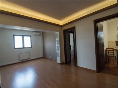Apartament 4 camere, Pacii, decomandat, mobilat - centrala proprie
