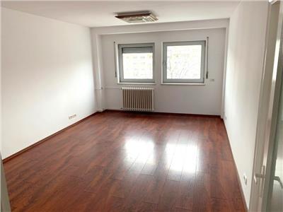 Apartament 4 camere, Piata Unirii-Fantani pretabil birouri