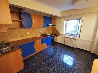 Apartament 4 camere  rezidential/comercial nemobilat decebal