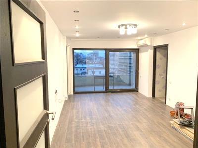 Apartament 4 camere Unirii renovat cu finsaje moderne facturabil neg.