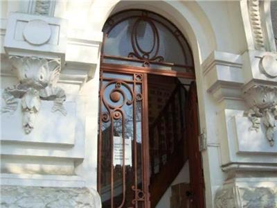 Apartament  boem in vila zona armeneasca.