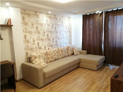 Apartament cu 2 camere de inchiriat, mobilat si utilat, zona centrala
