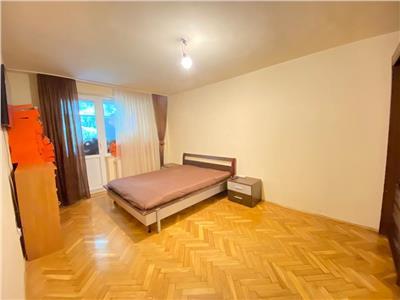 Apartament cu 2 camere de vanzare, etajul 1 din 4, zona Semicentrala