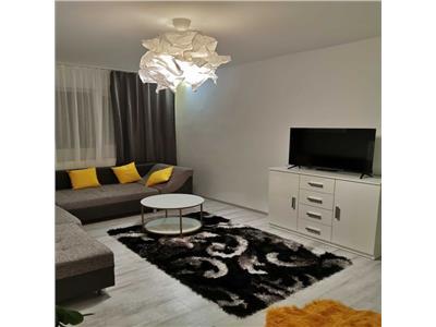 Apartament cu 3 camere de inchiriat, amenajat modern , zona cornisa