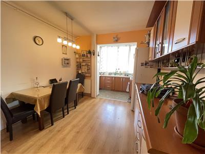 Apartament cu 3 camere de vanzare in cornisa