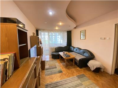 Apartament cu 3 camere de vanzare, in Tudor, zona Dacia