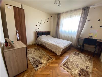 Apartament cu 3 camere de vanzare, mobilat si utilat, in 7 Noiembrie