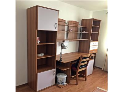 Apartament cu 3 camere, decomandat de inchiriat in Drumul Taberei