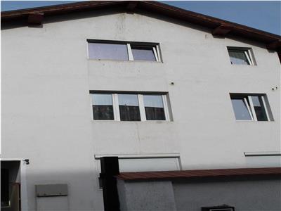 Apartament cu 3 camere intr-o vila