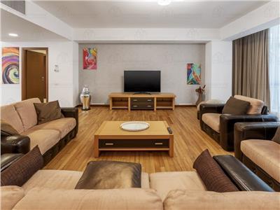Apartament cu 4 camere 187 mp si garaj, zona Herastrau