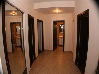 Apartament de 3 camere in zona cismigiu!!