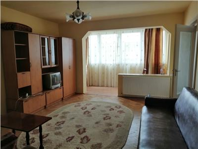 Apartament de inchiriat cu 3 camere, zona 7 Noiembrie