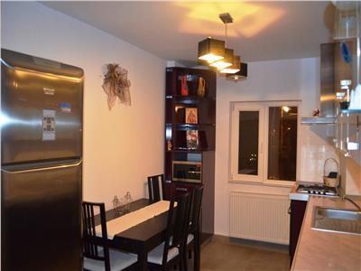 Apartament de lux, 3 camere, decomandat, zona Republicii, Ploiesti
