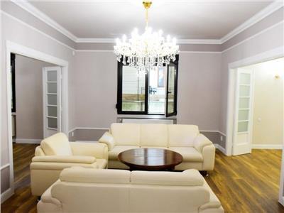 Apartament de vanzare, 5 camere, armeneasca