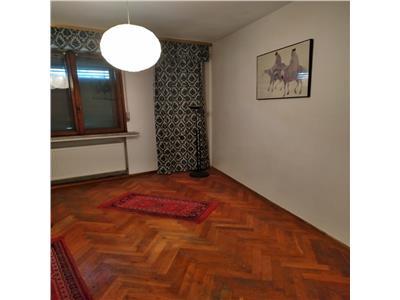 Apartament de  vanzare Piata Romana