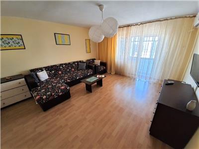 Apartament decomandat 2 camere metrou Unirii, 3 balcoane