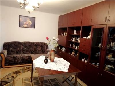 Apartament decomandat- 4 camere  de inchiriat