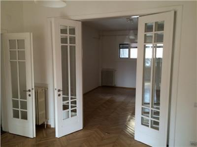 Apartament deosebit cu 4 camere 136mp in zona cismigiu