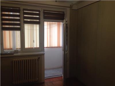 Apartament doua camere zona stefan luchian !