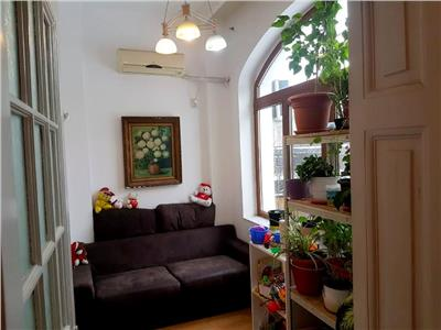 Apartament in vila Cotroceni / Facultatea de medicina / Palat