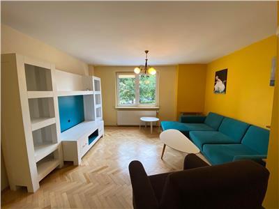 Vand apartament modern cu 4 camere in zona pandurilor