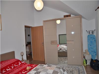 Apartament superb 3 cam, 2 bai cu curte si foisor Bragadiru-Leroy