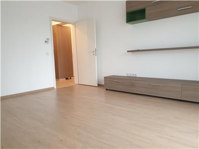 Apartament spatios cu 2 camere, dressing si 2 balcoane in avantgarden