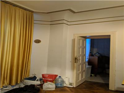 Armeneasca, apartament 8 camere, suprafața utila 200 mp
