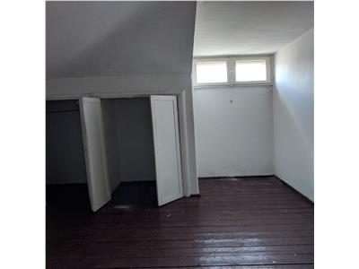 Armeneasca, apartament -n vilă 135 mp,m/m+p+m